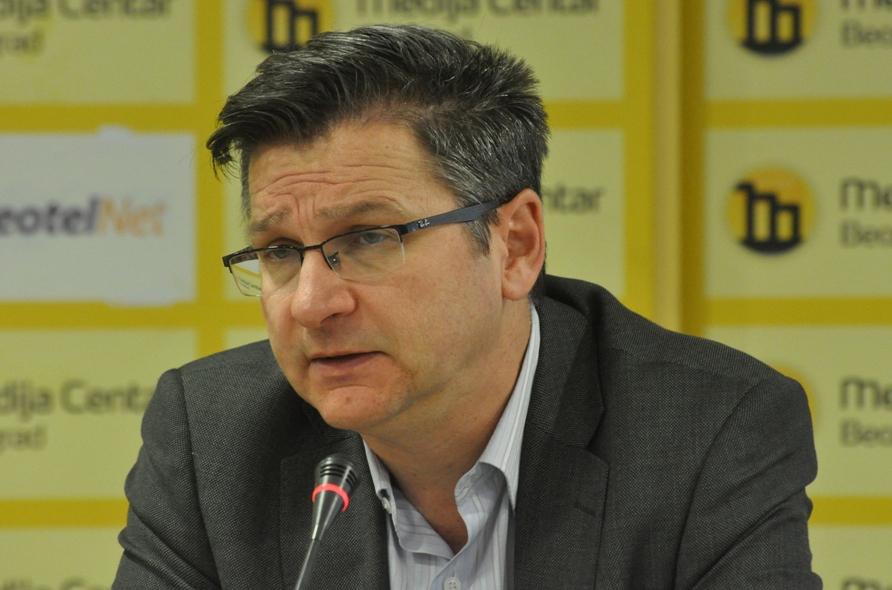 Predavanje profesora Miloša Kovića u Dragancu povodom 800 godina SPC