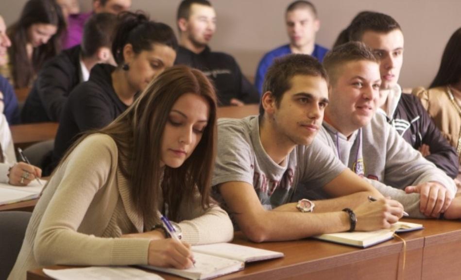 Još 116 studenata iz Crne Gore stiglo u Beograd