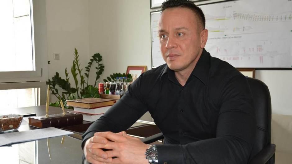 Sultanov: Rusija šalje 11 aviona i 86 virusologa
