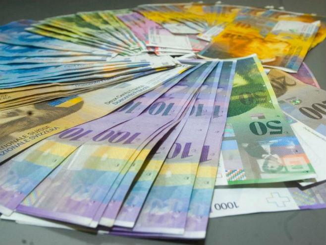 Rešenje za kredite u švajcarcima, teret i na bankama i na državi