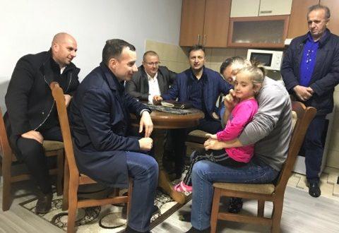 Jović i Simić obišli opštinu Vučitrn u Prilužju