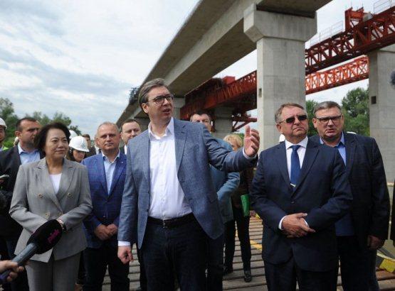 Gradi se most na Koridoru 11, spajaju se dve obale Save