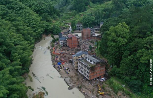 Tajfun u Kini odneo 28 života, više od milion ljudi evakuisano