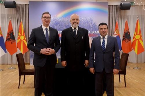 Vučić na sastanku sa Ramom i Zaevim