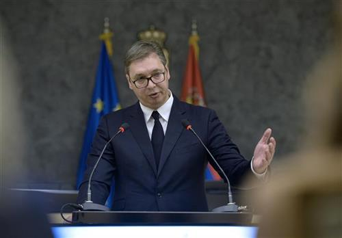 Vučić: Zahvalan sam našem narodu u Crnoj Gori što drži glavu visoko podignutu
