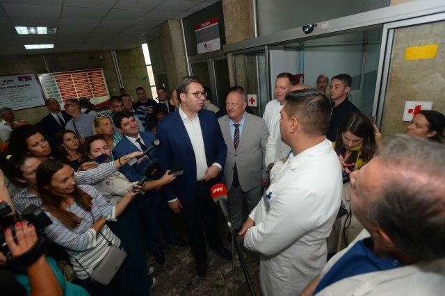 Predsednik obišao bolnicu u Leskovcu: Uloženo 86 miliona dinara