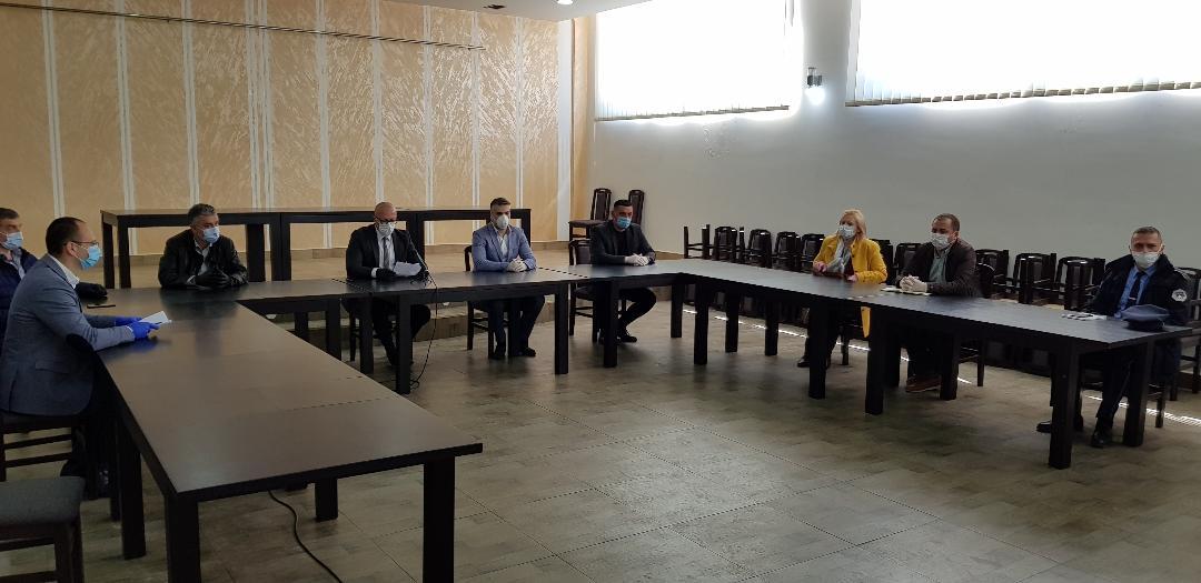U K. Mitrovici i Zvečanu zabrana kretanja od podneva do 6 časova ujutru