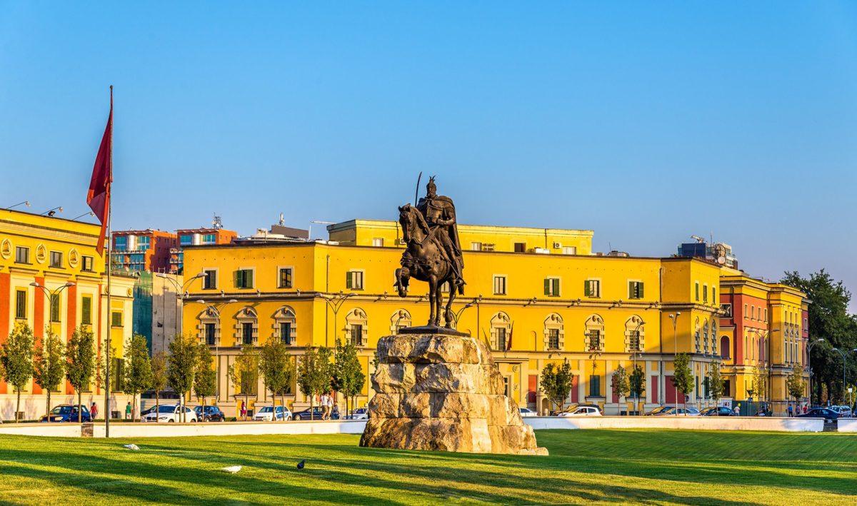 Albanija, posle proterivanja diplomata zatvorena i iranska škola