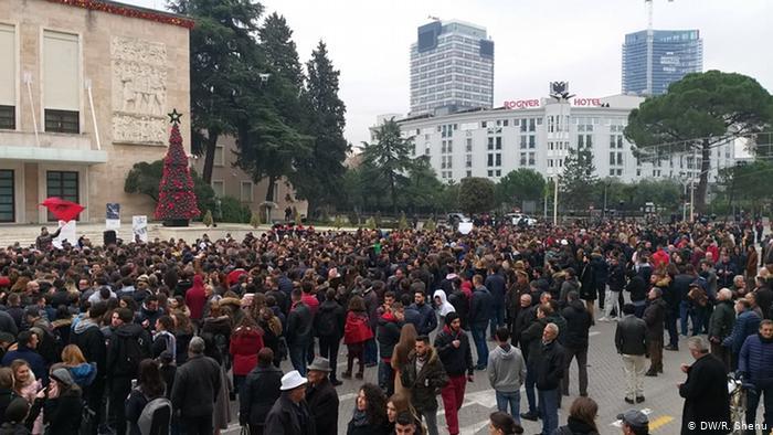 Tirana: Tenzije na studentskom protestu