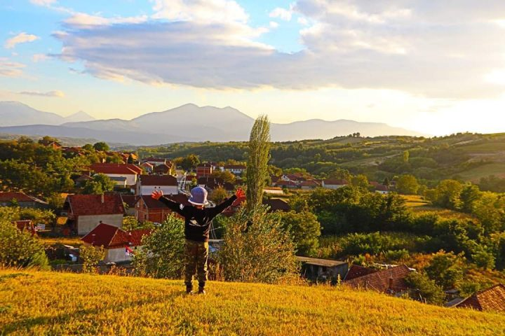 "SKC Priština u službi očuvanja ""Bele vile"" – divnih običaja Velike Hoče"