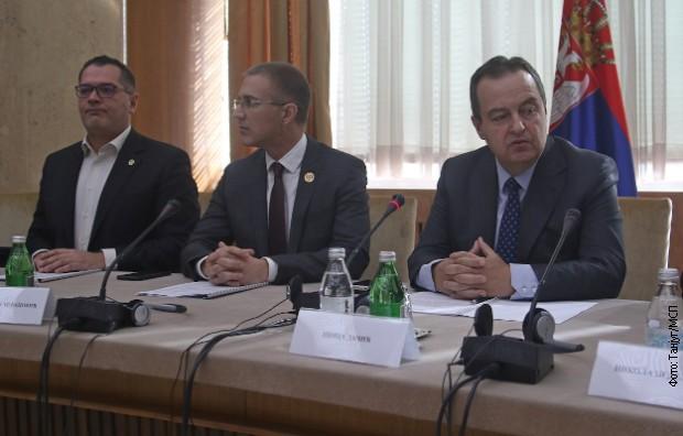 Dačić i Stefanović sa ambasadorima o zahtevu Prištine za prijem u Interpol