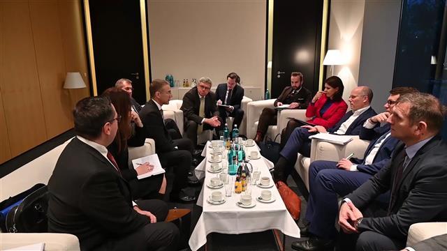 Stefanović sa poslanicima Bundestaga:Prioritet Srbija - EU