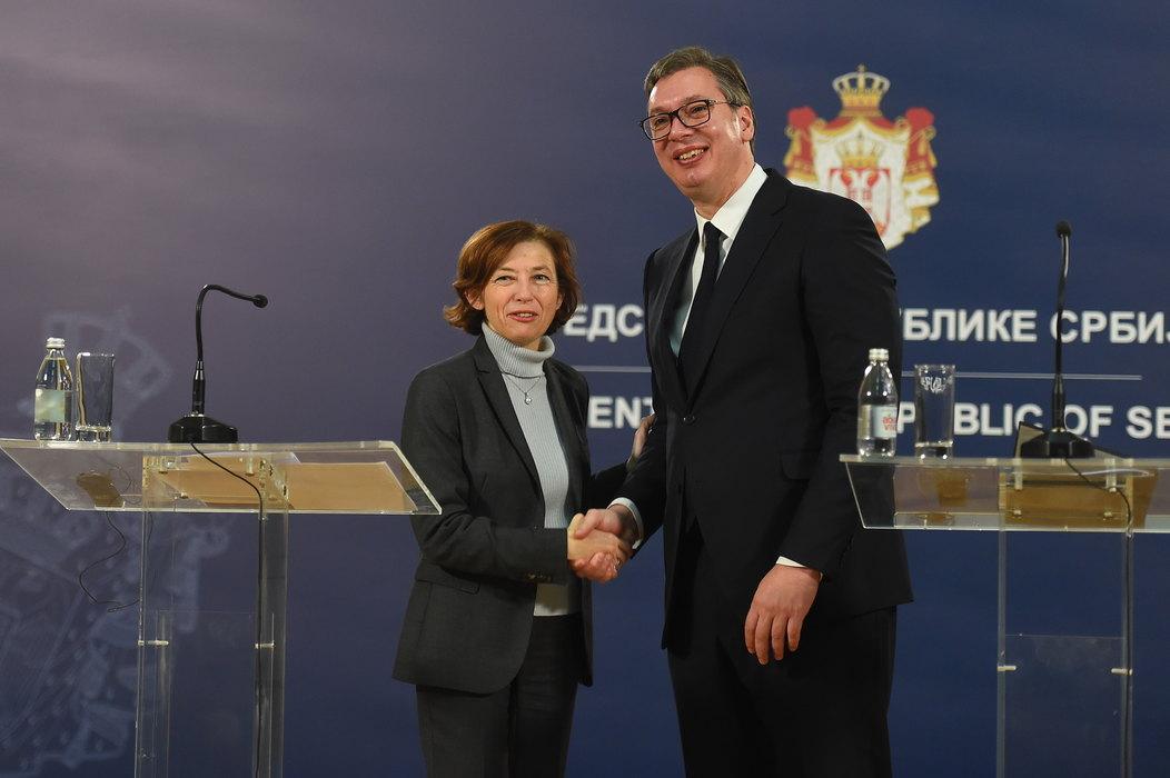 Vučić: Imamo poverenja u Makrona