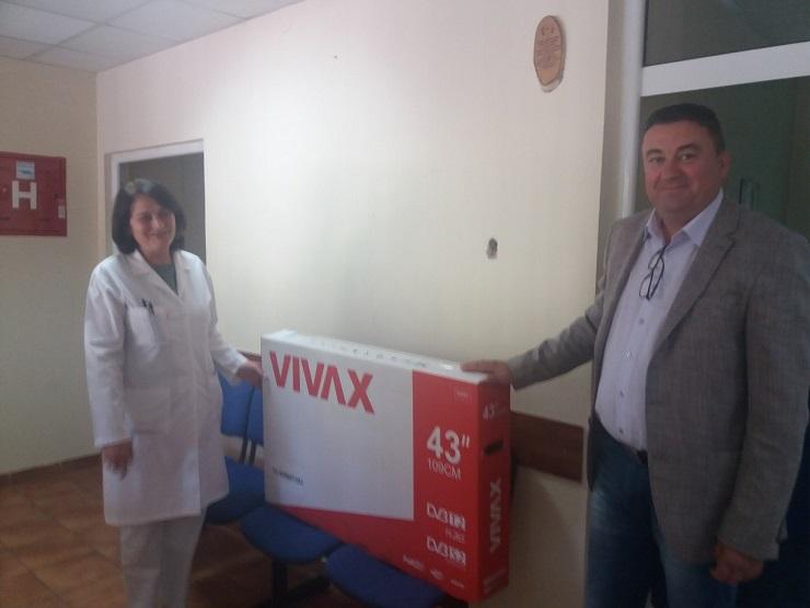 Ivan Todosijević posetio Službu za transfuziju krvi u Kosovskoj Mitrovici