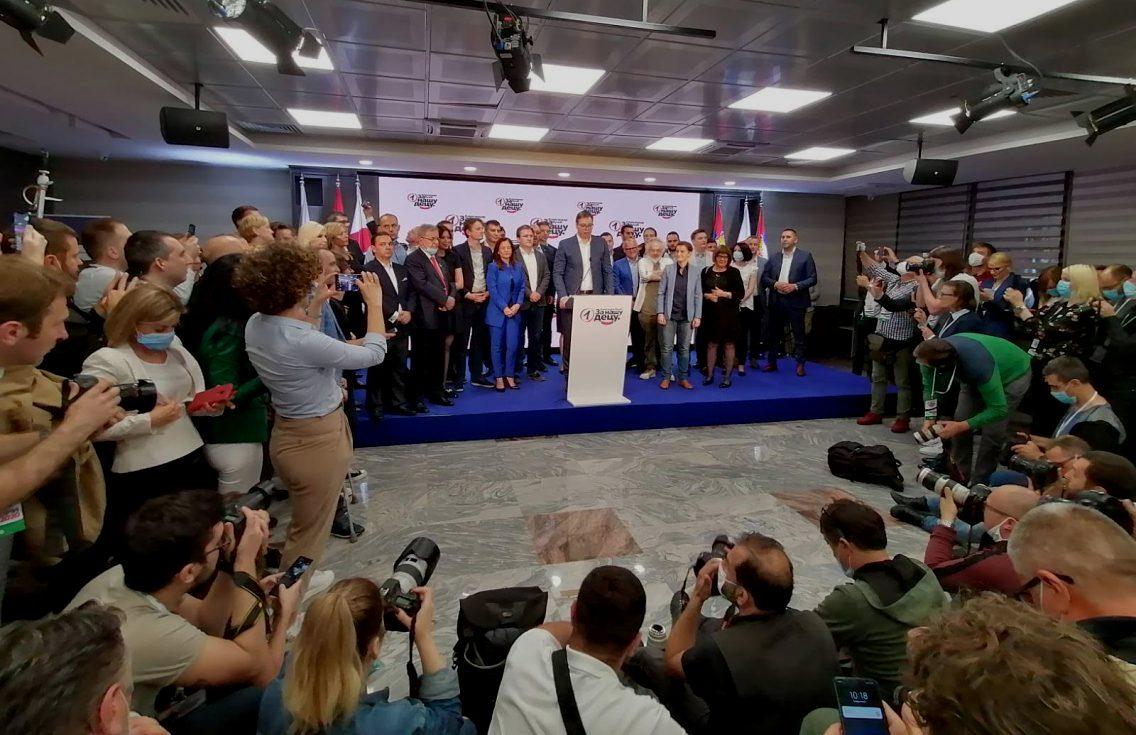 Vučić: Hvala našem narodu na KiM