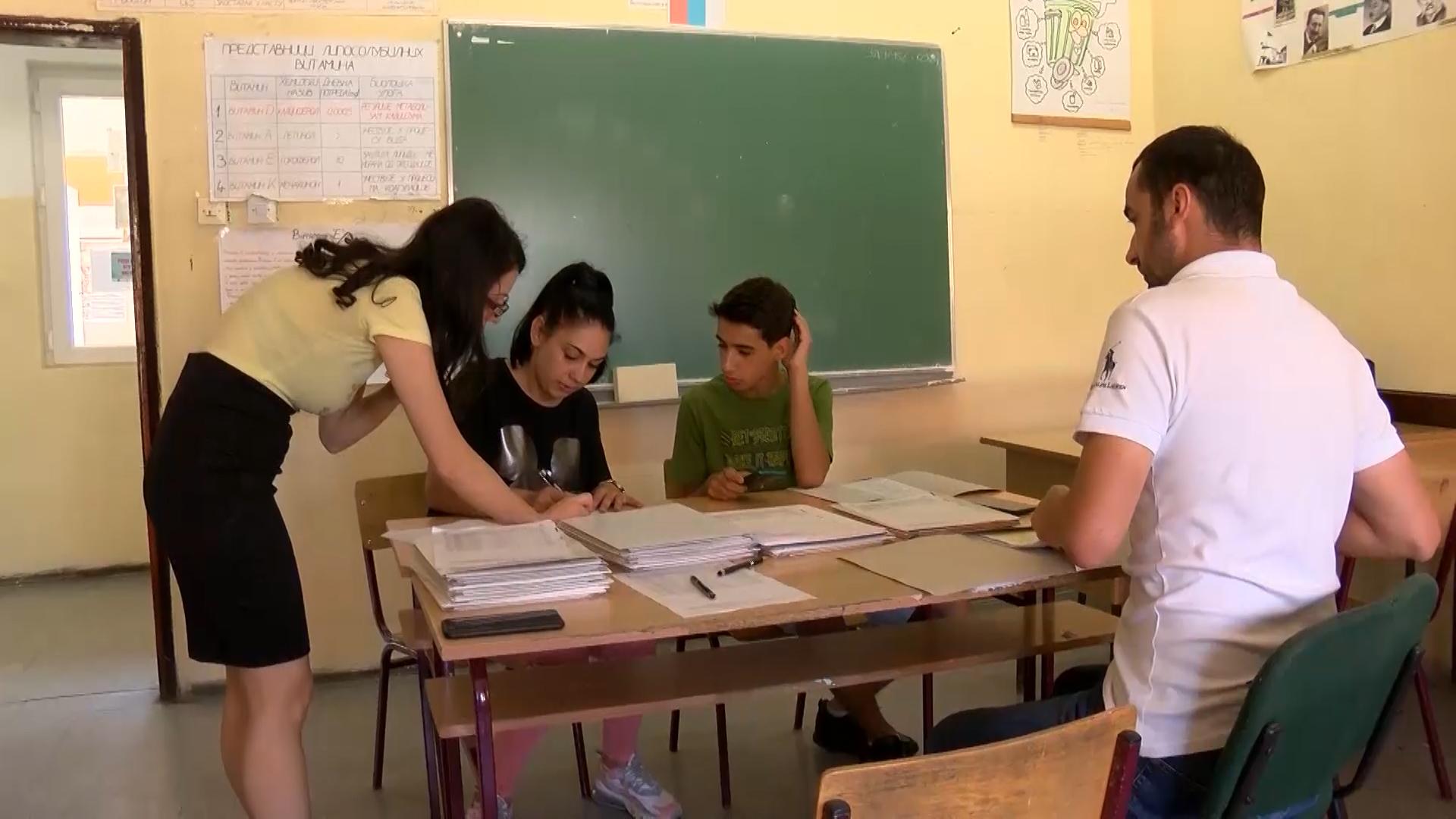 Upis u srednje škole: Najveće interesovanje za Medicinsku školu i Gimnaziju