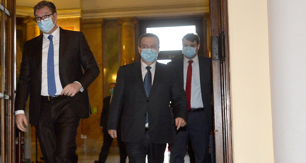 Dijalog u toku, Vučić posle tri sata otišao zbog obaveza