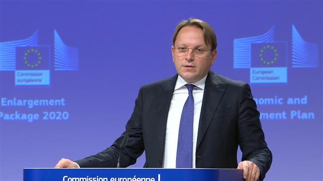 Varhelji pozdravio odluku Srbije, poziva Crnu Goru da uradi isto