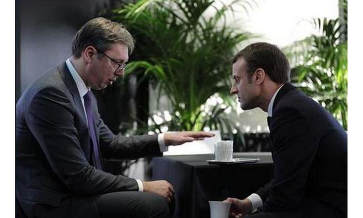 Vučić i Makron posle večere bilateralno