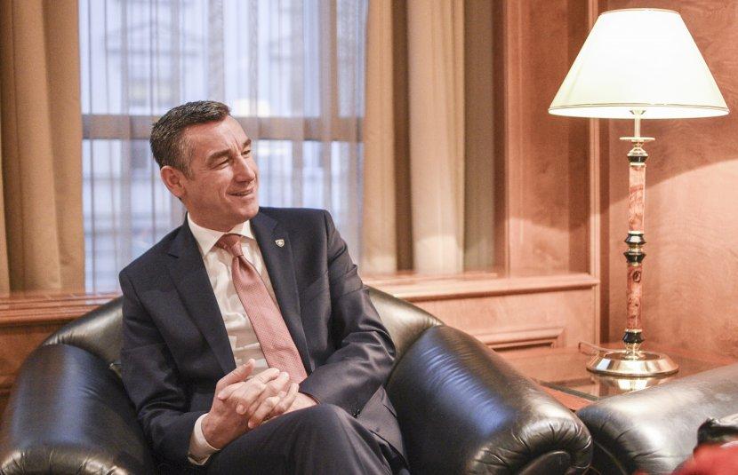 Veselji na Fejsbuku: Nadam se da će Kosovo uskoro u NATO