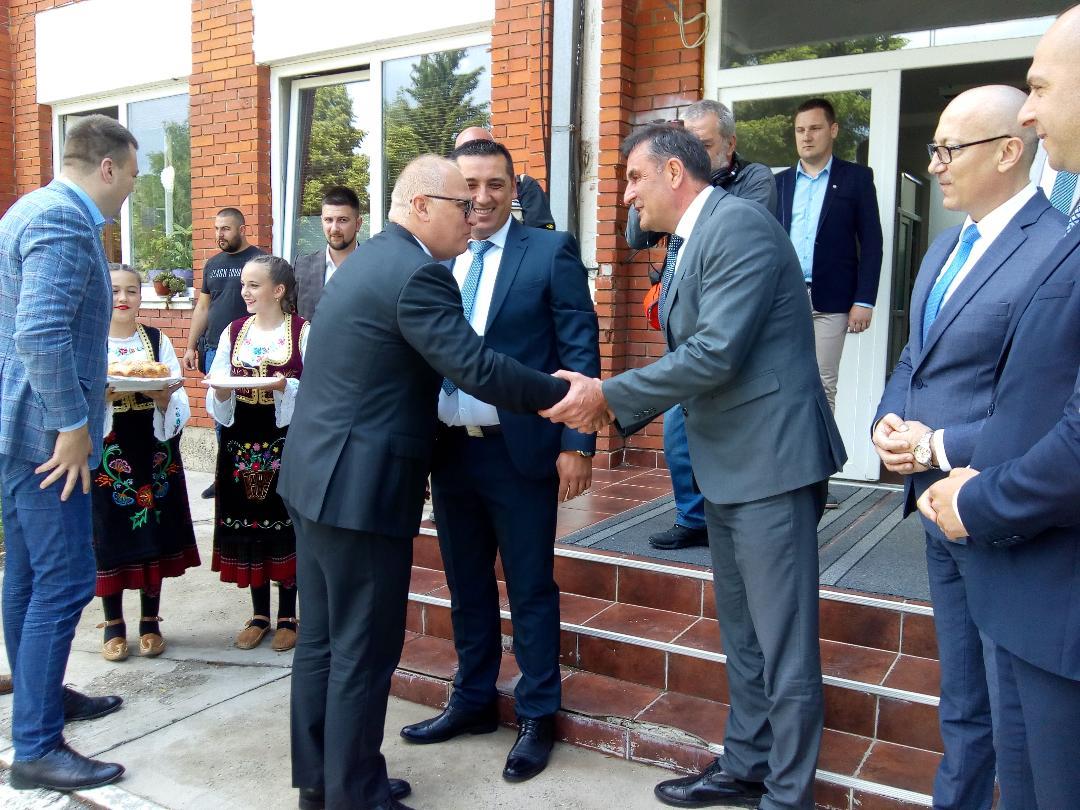 Zamenik gradonačelnika Beograda Goran Vesić u poseti Kosovskoj Mitrovici (foto)