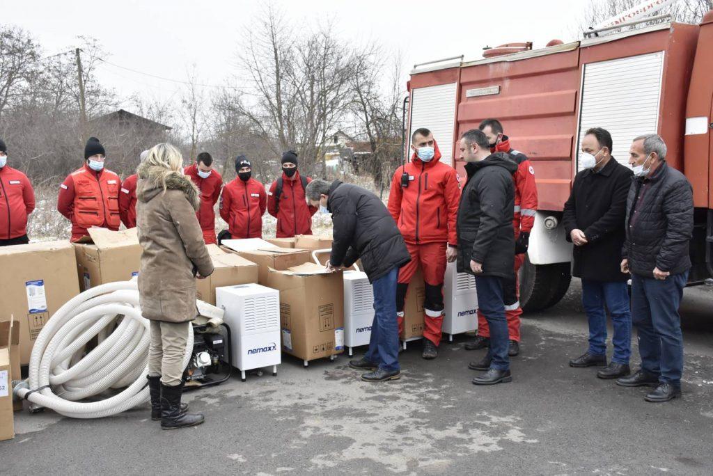 Pomoćnica direktora Kancelarije za KiM uručila pomoć ugroženim domaćinstvima