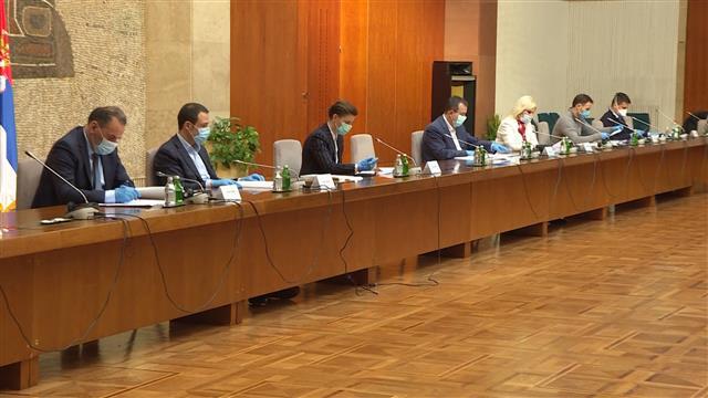 Počela sednica kriznih štabova, predsedavaju Vučić i Brnabić