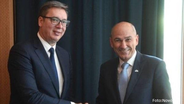 Vučić se sastao sa Janšom u Budimpešti