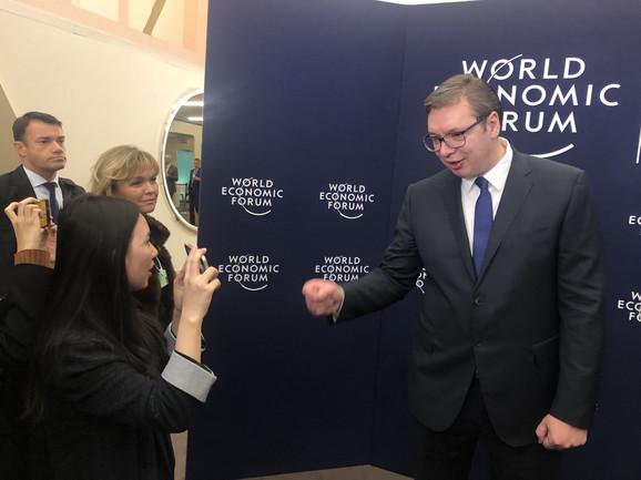 Vučić: Ja o dijalogu i taksama, Tači o vizama