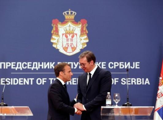 Vučić uputio Makronu čestitku povodom 14. jula