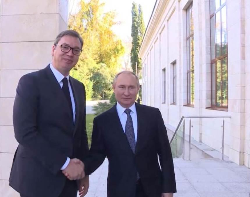 Putin Vučiću: Uravnoteženo rešenje za KiM, uz odobrenje SB UN