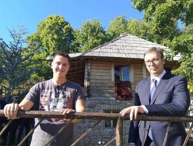 Vučić sa sinom i Dodikom posetio kuću Gavrila Principa