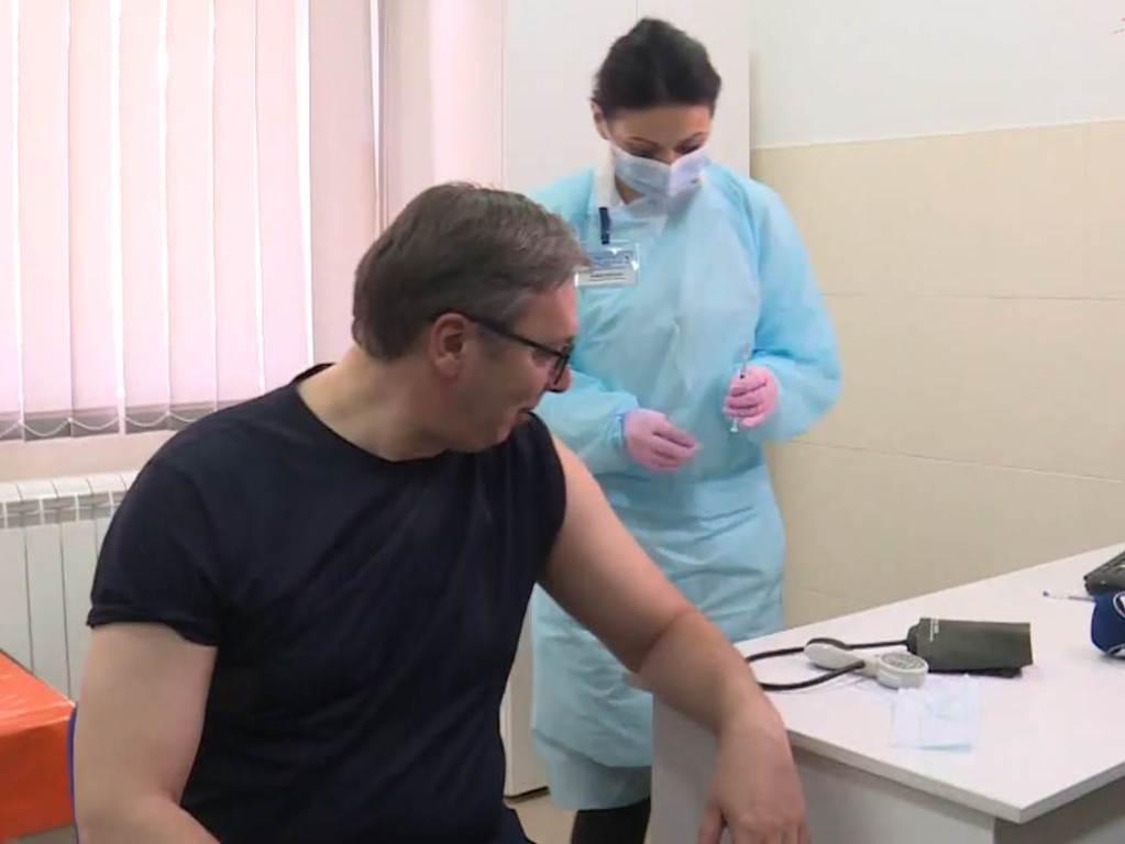 Vučić primio vakcinu protiv korona virusa