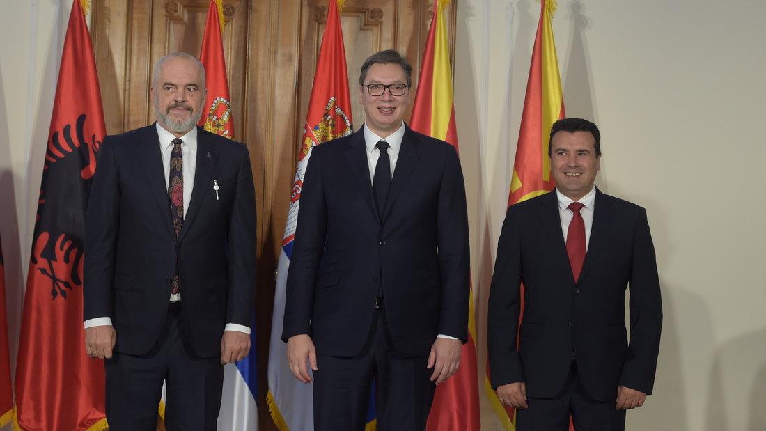 Pratimo šta se dešava u svetu, da izvučemo najviše za Srbiju