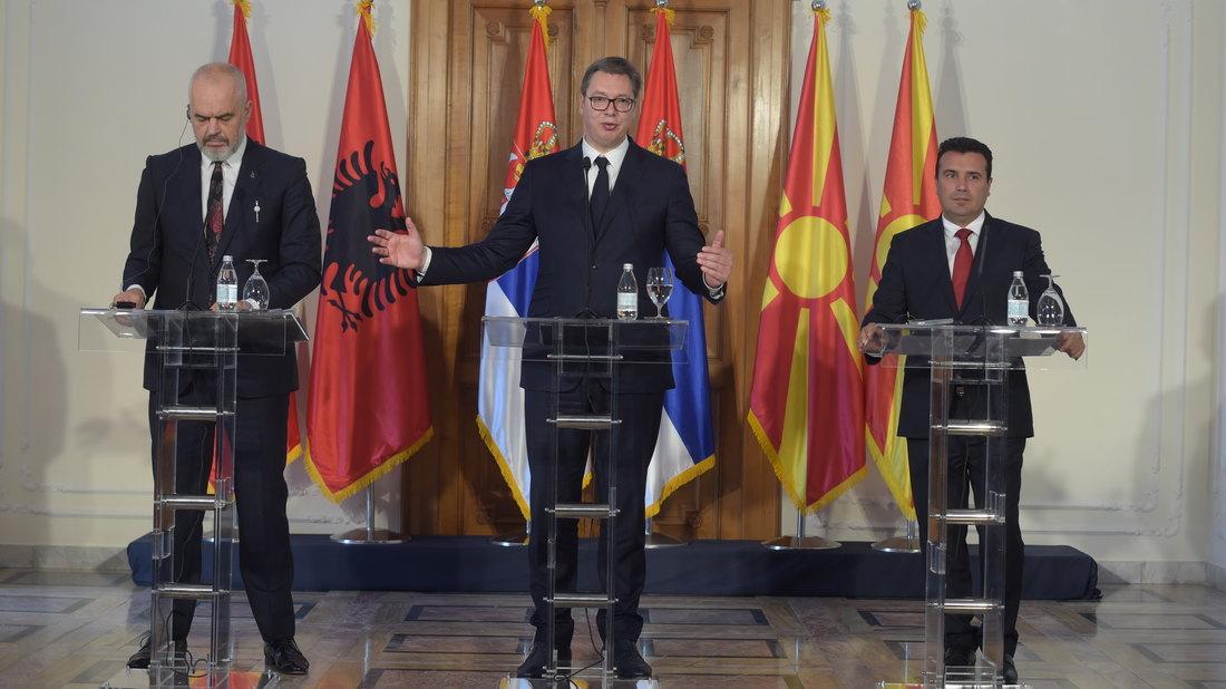 Vučić na konferenciji