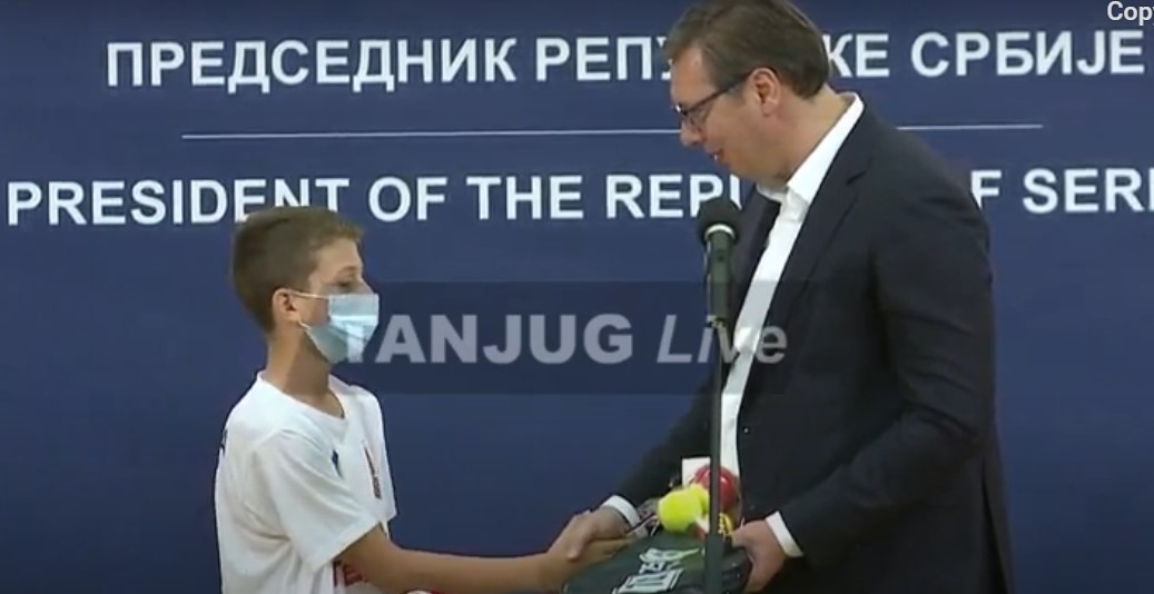 Vučić primio mlade sportiste sa KiM