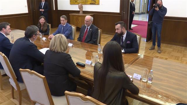 Vučić sa predstavnicima UNDP o demografskim problemima