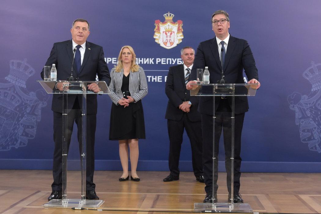 Vučić sa Dodikom: Međusobna podrška, čuvamo leđa jedni drugima