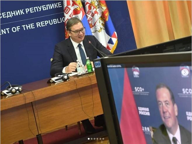 Vučić održao sastanak sa Medvedevim putem video-linka