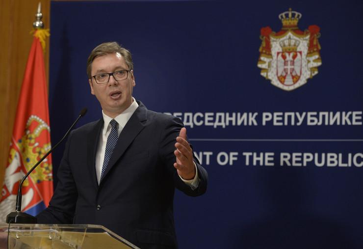 Vučić: Crnogorske vlasti o crkvenoj imovini da razgovaraju sa SPC u Beogradu