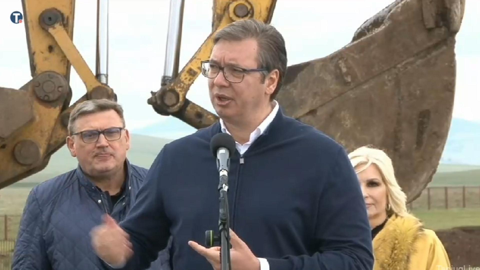 Vučić: Mere Prištine sumanute, mi gubimo milion evra dnevno