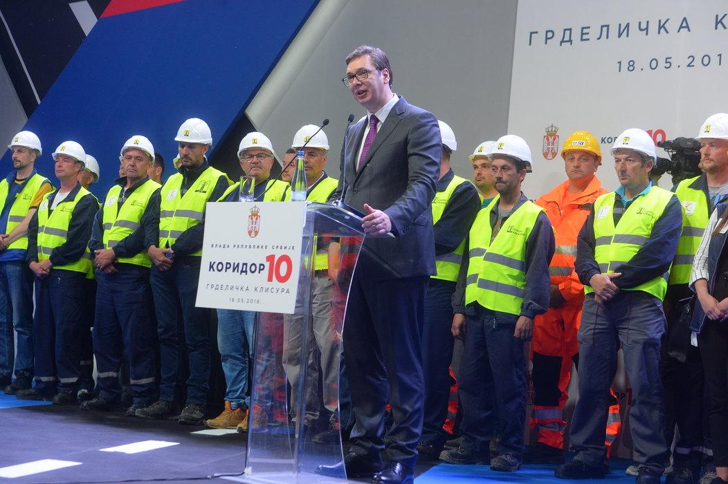 Vučić otvorio poslednju deonicu južnog kraka Koridora 10