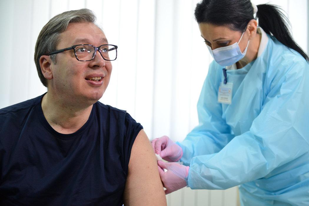 Vučić: Ljudi vakcinišite se, da spašavamo živote