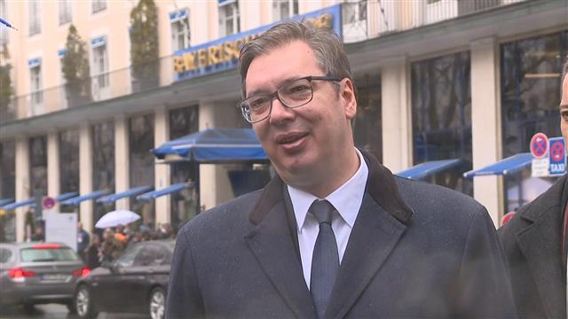 Vučić sa Hanom i o kvotama za čelik