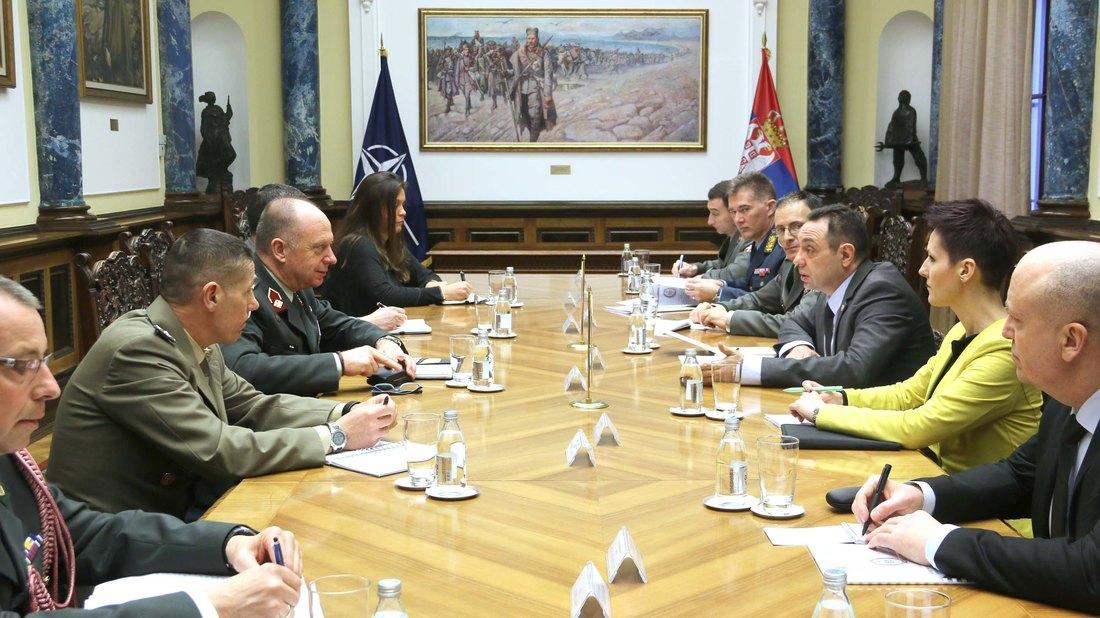 Vulin sa generalom NATO o tzv. vojsci Kosova