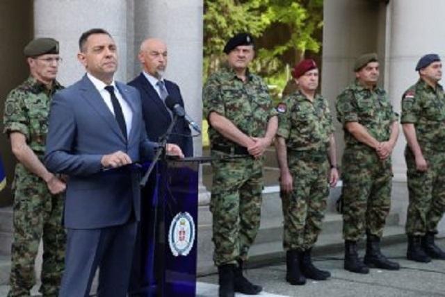 Ministar Vulin na obuci kadeta oklopnih jedinica
