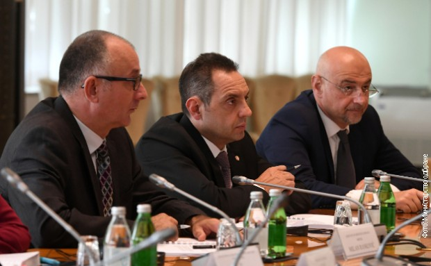 Vulin i Metnar: Potpisani sporazumi za bolju saradnju u oblasti odbrane