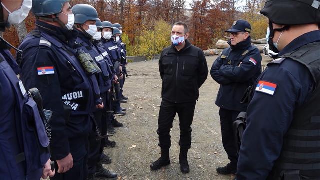Vulin: Nedopustivo ugrožavanje sigurnosti policije u KZB