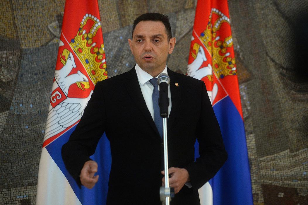 Vulin: Đukanović neka brine o sebi i svojoj zemlji