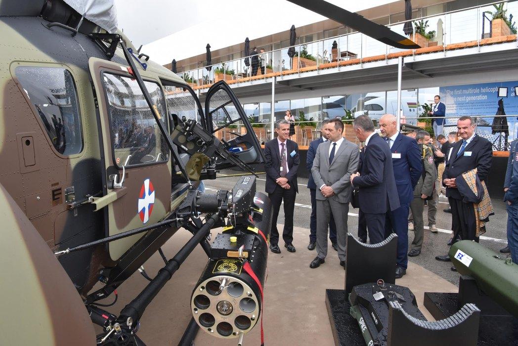 Vulin na sajmu u Parizu: Srpsko naoružanje na najsavremenijim sistemima
